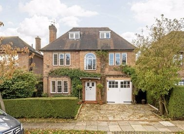 Properties to let in Litchfield Way - NW11 6NR view1