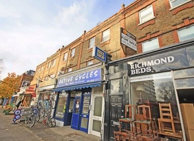 Properties to let in Lower Mortlake Road - TW9 2LN view1