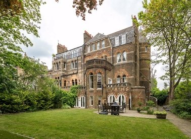 Properties to let in Lyndhurst Terrace - NW3 5QA view1