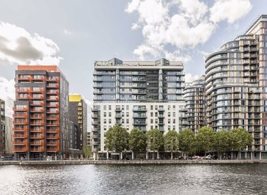 Properties to let in Millharbour - E14 9NE view1