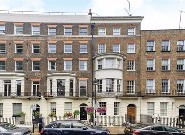 Properties to let in Montagu Square - W1H 2LS view1