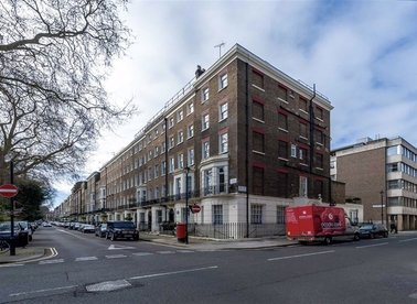 Properties to let in Montagu Square - W1H 2LJ view1