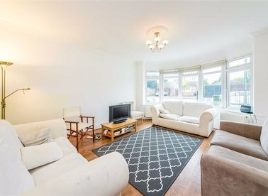 Properties to let in Mortlake Road - TW9 4EW view1