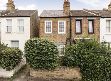 Properties to let in Mullins Path - SW14 8EZ view1