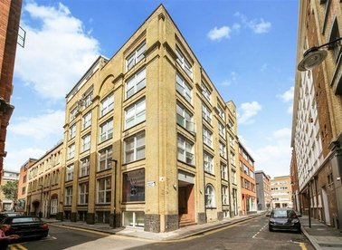 Properties to let in Northburgh Street - EC1V 0AY view1