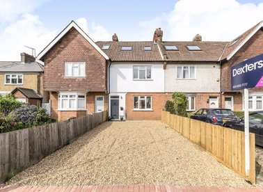 Properties to let in Oak Avenue - TW12 3NR view1