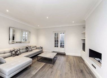 2 Bedrooms 1 Bathrooms short let flat to rent in Old Brompton Road - SW7 3RD view1