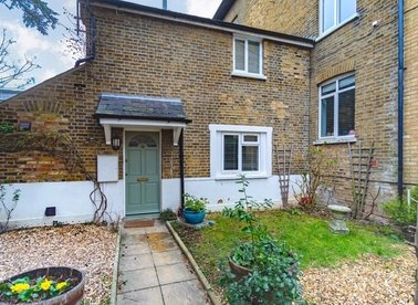 Properties let in Oldfield Road - TW12 2HR view1