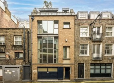 Properties to let in Ormond Yard - SW1Y 6JT view1
