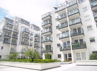 Properties to let in Osiers Road - SW18 1NL view1