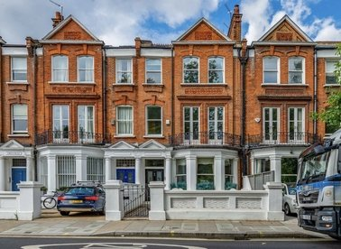 Properties to let in Parsons Green - SW6 4UH view1