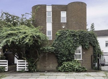 Properties to let in Perrins Lane - NW3 1QY view1