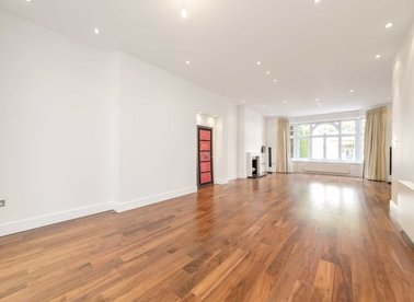 Properties to let in Platts Lane - NW3 7NS view1