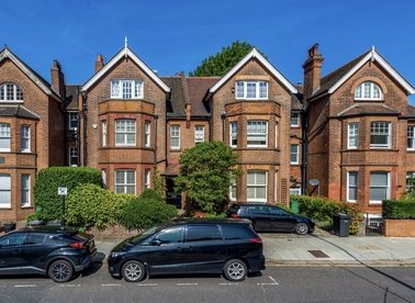Properties let in Platts Lane - NW3 7NP view1