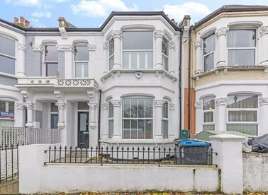 Properties let in Purves Road - NW10 5TH view1