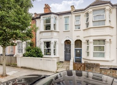 Properties let in Purves Road - NW10 5SY view1