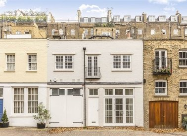 Properties to let in Queen's Gate Mews - SW7 5QJ view1