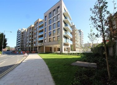 Queenshurst Square, London, KT2