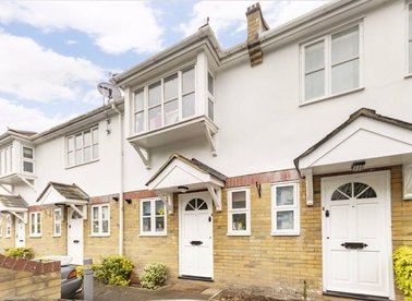 Properties to let in Radcliffe Mews - TW12 1LN view1