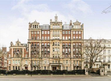 Properties to let in Rutland Court - SW7 1BN view1
