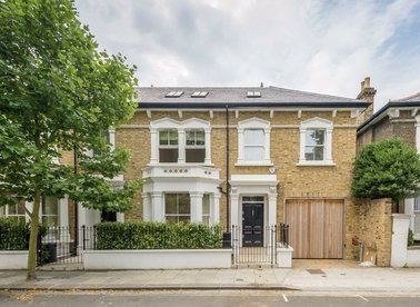 Properties to let in Rutland Grove - W6 9DH view1