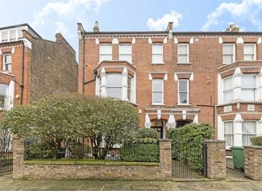 Properties to let in Savernake Road - NW3 2JU view1