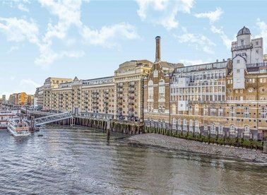 Properties to let in Shad Thames - SE1 2YE view1