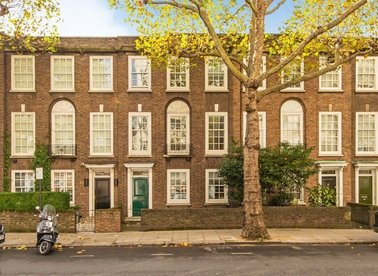 Properties to let in Sloane Avenue - SW3 3JB view1
