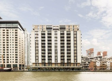 Properties to let in South Quay Square - E14 9LT view1