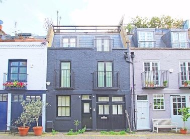 Properties to let in St. Lukes Mews - W11 1DF view1