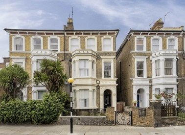 Properties let in St. Quintin Gardens - W10 6AS view1