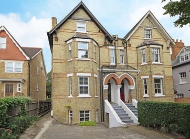 Properties to let in Strafford Road - TW1 3AE view1