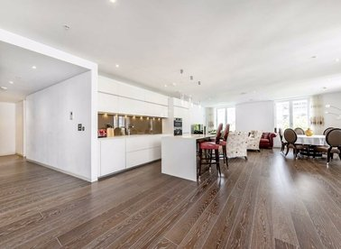 Properties to let in Strand - WC2R 1HA view1