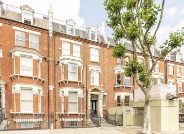 2 Bedrooms 2 Bathrooms short let flat to rent in Sutherland Avenue - W9 1HP view1