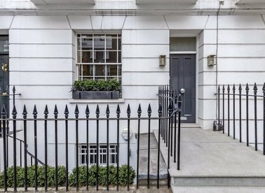 Properties to let in Sydney Street - SW3 6PU view1