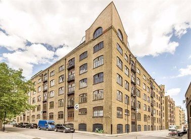 Properties to let in Telfords Yard - E1W 2BQ view1