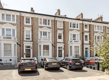 Properties to let in The Barons - TW1 2AN view1