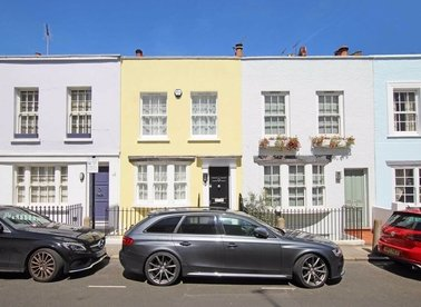 Properties let in Uxbridge Street - W8 7TQ view1