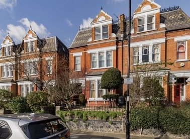 Properties to let in Whitehall Park - N19 3TW view1