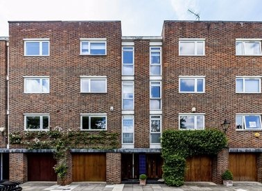 Properties to let in Woodsford Square - W14 8DS view1