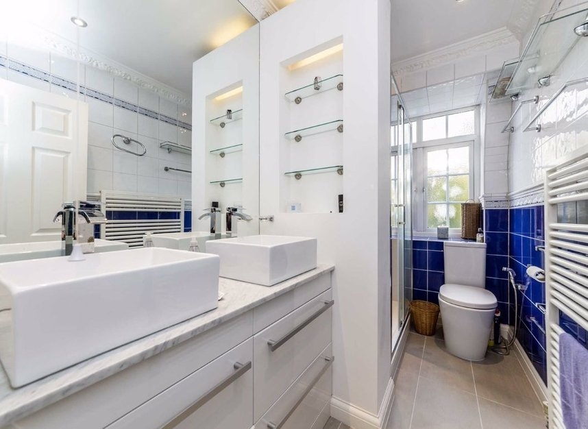 Properties for sale in Abbotsbury Close - W14 8EG view8