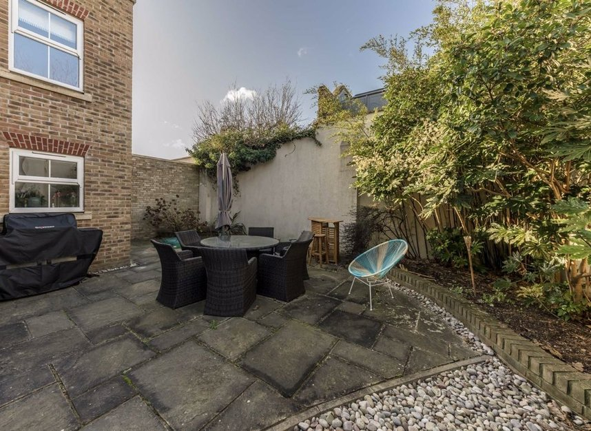 Properties for sale in Acton Lane - W4 5HU view6