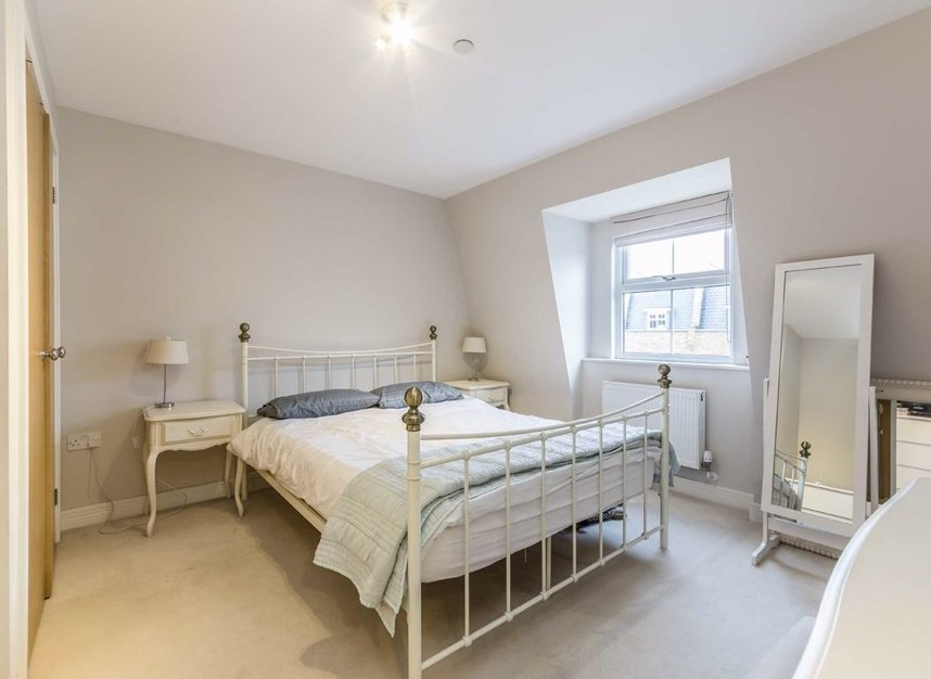 Properties for sale in Acton Lane - W4 5HU view4
