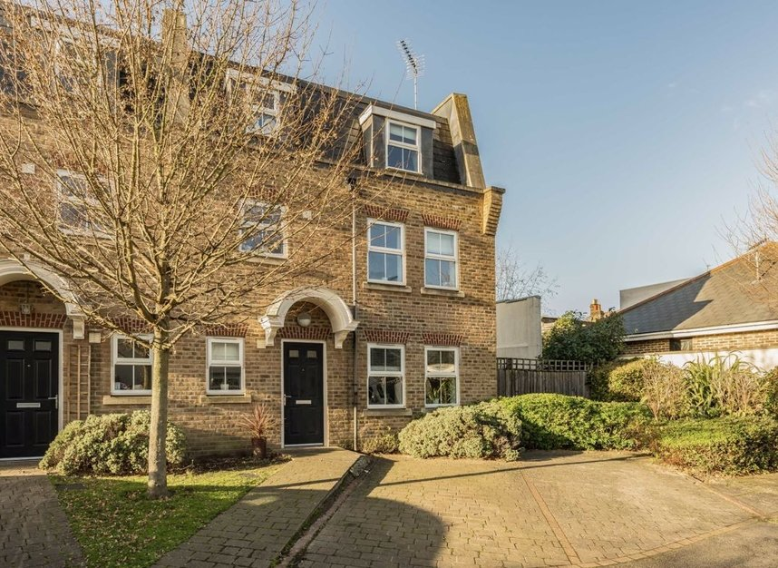 Properties for sale in Acton Lane - W4 5HU view1