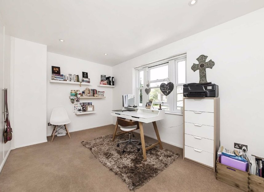 Properties for sale in Acton Lane - W4 5DJ view5