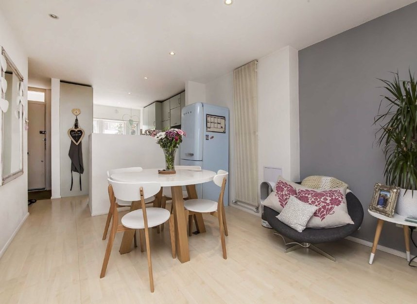 Properties for sale in Acton Lane - W4 5DJ view2