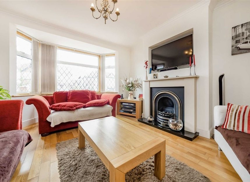 Properties for sale in Allan Way - W3 0PN view2