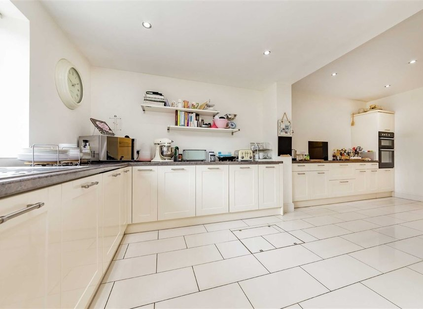 Properties for sale in Allan Way - W3 0PN view4