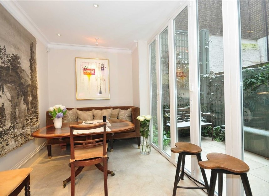 Properties for sale in Ansdell Terrace - W8 5BY view5