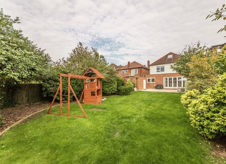 Properties for sale in Baronsmede - W5 4LT view6
